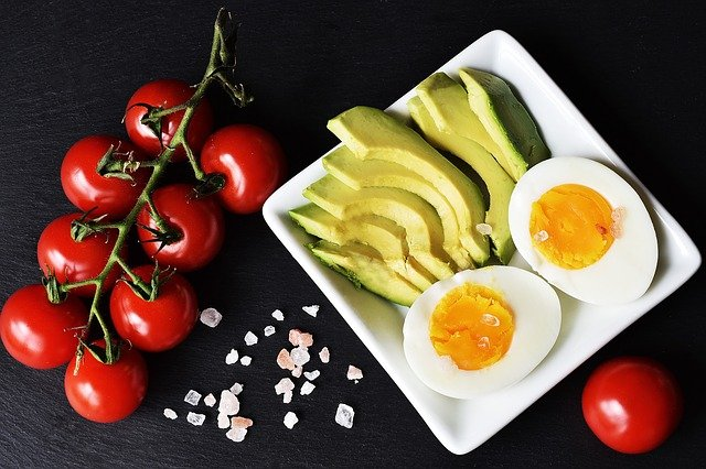 Can you build muscle with strength training on a low carbohydrate diet?