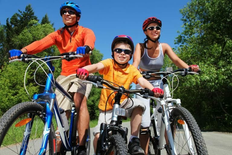 Outdoor Activities: How to Make a Healthy and Happy Family Life