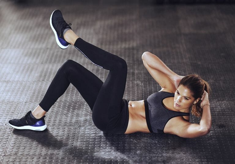 woman workout abs